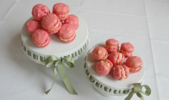 macaroons on stand