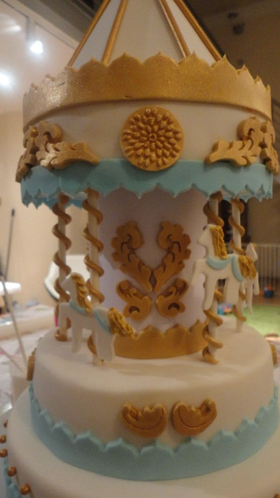 Tutorial For My Carousel Cake This Worked For Me Mamma Wears Prada
