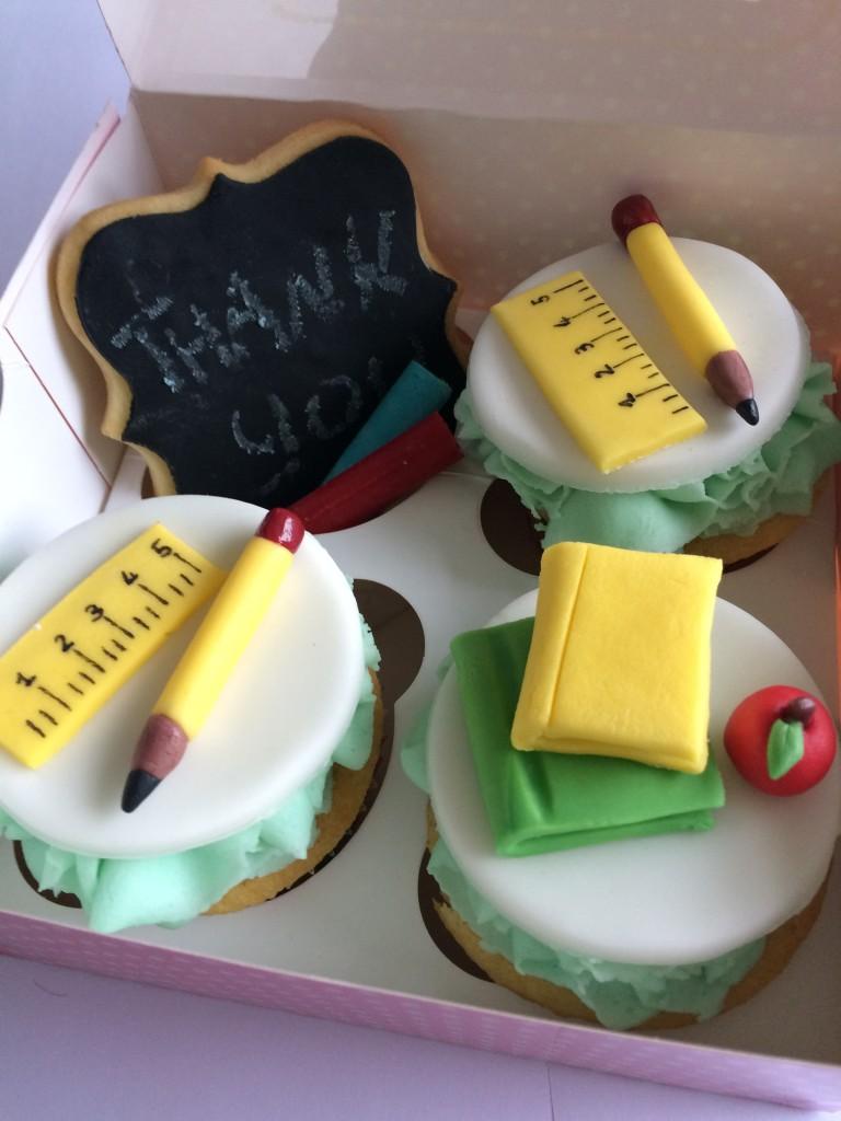 schools out vanilla cupcakes