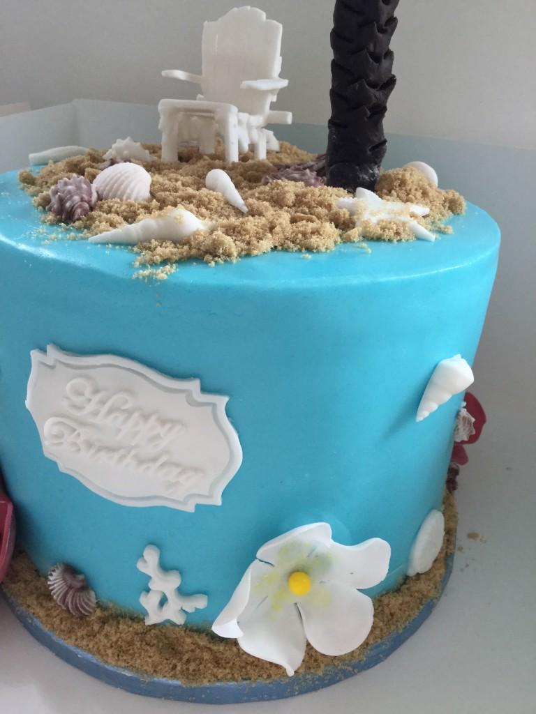 shells fondant cake