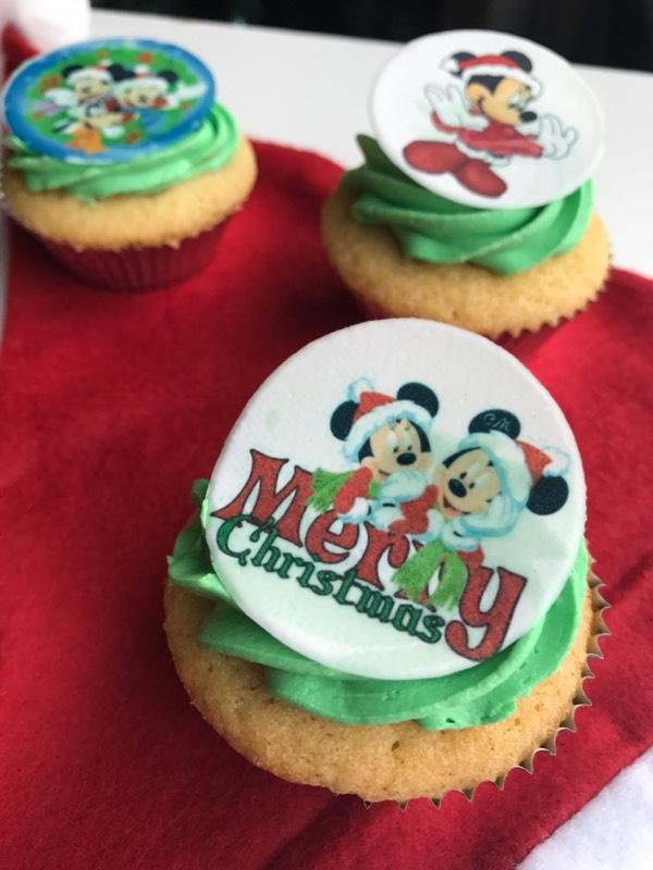 merry-christmas-cupcakes